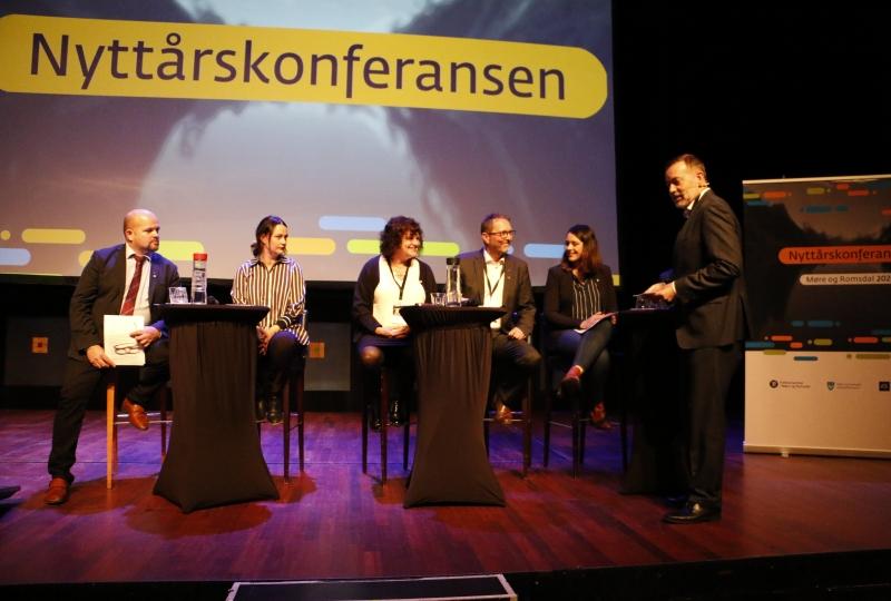paneldebatt nyttårskonferansen