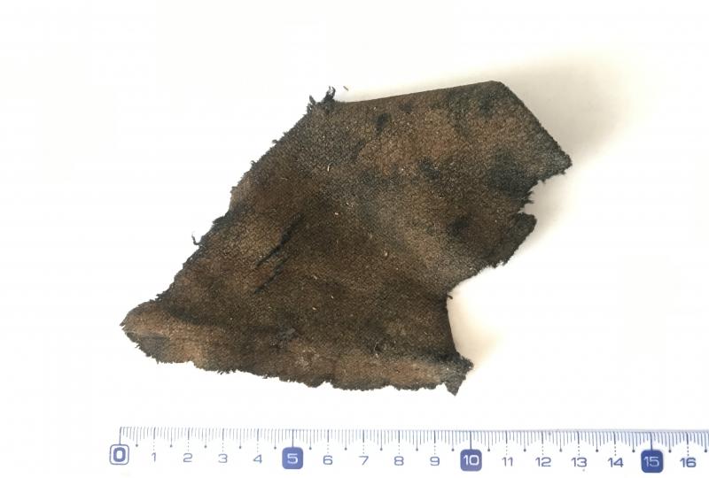 Bilde av eit gamalt tøystykke som er over 1000 år gamalt